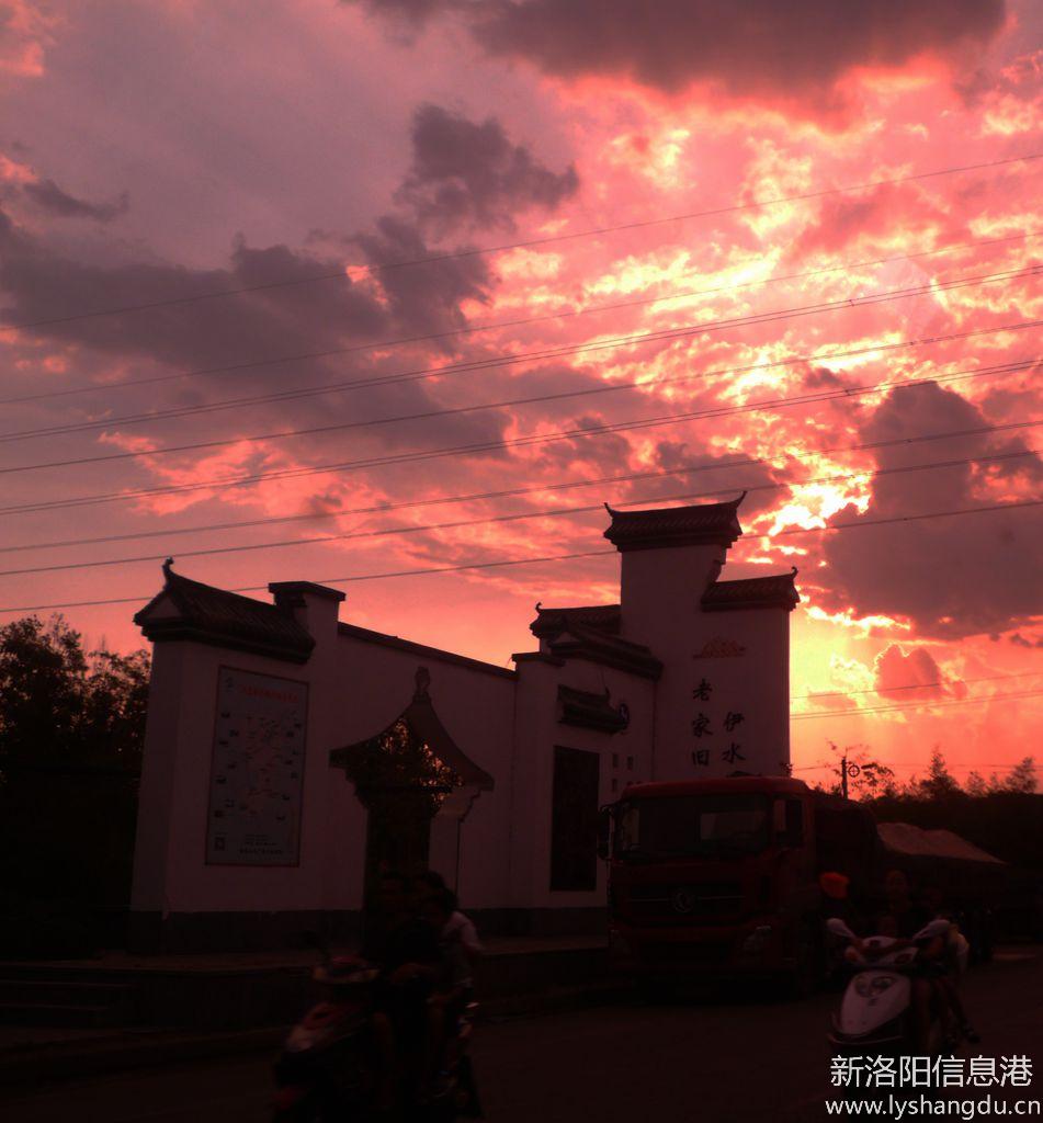 【铁军视角】坐在汽车里拍夕阳