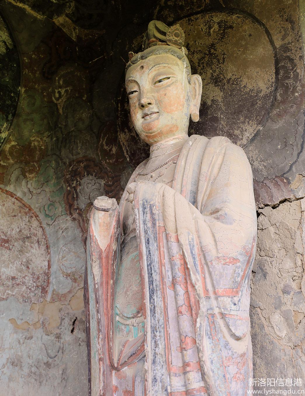 中国四大石窟之一     麦积山石窟