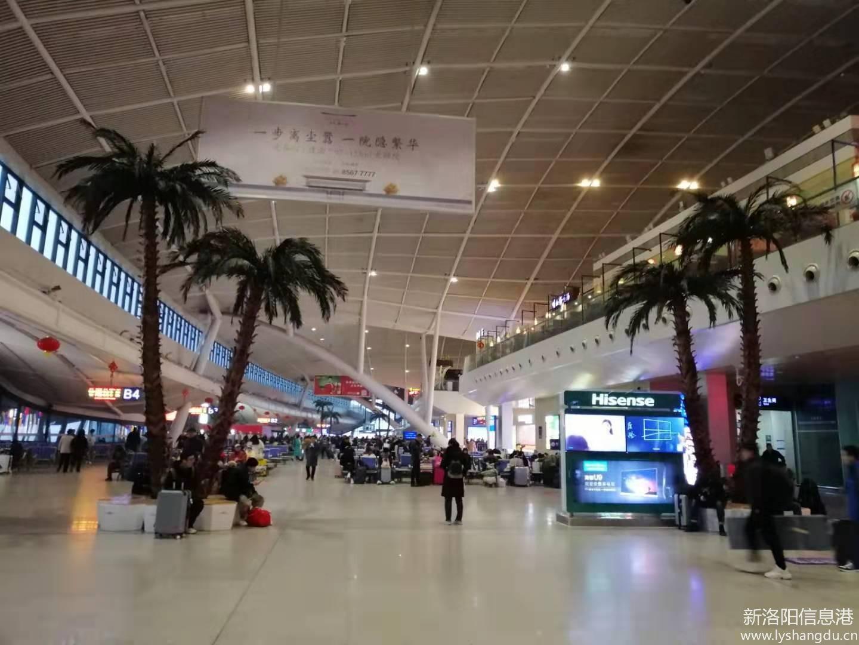 武汉火车站候车大厅