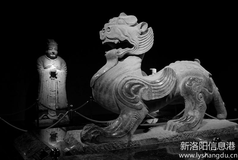 洛阳博物馆里赏国宝